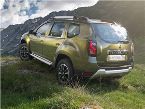 Renault Duster - Renault Duster 2015 вид сзади
