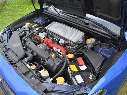 Subaru WRX STI (2018) моторный отсек