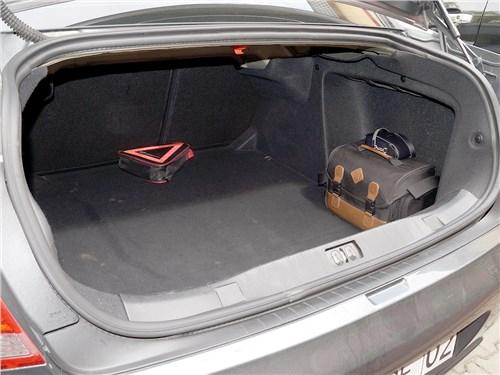 Peugeot 408 2012 багажник