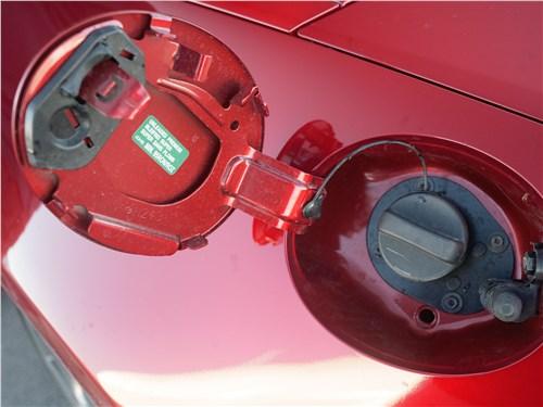 Mazda MX-5 2015 крышка бензобака