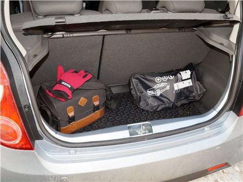 Предпросмотр ravon r2 2016 багажное отделение