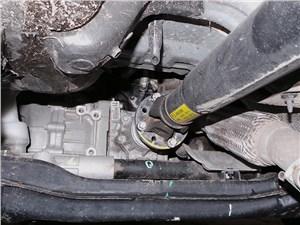Kia Sportage 2014 поперечина переднего подрамника