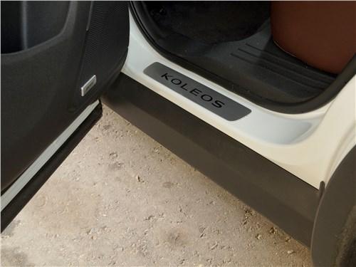 Renault Koleos 2017 пластиковые накладки