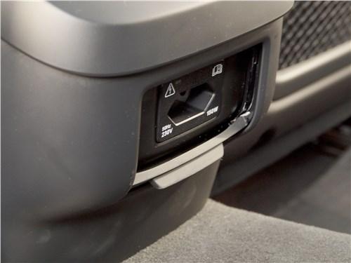 Volvo V90 Cross Country 2017 салон