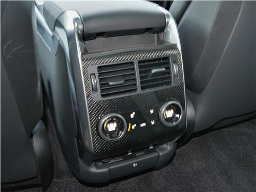 Land Rover Range Rover Sport SVR (2018) «климат» для второго ряда