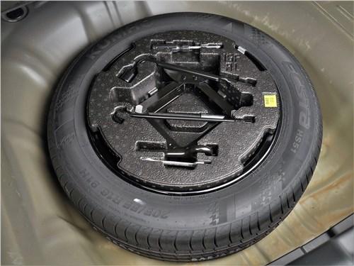 Предпросмотр kia cerato (2022) запасное колесо