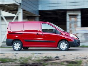 Fiat Scudo Cargo 2014 вид сбоку