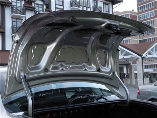Предпросмотр lada granta 2019 крышка багажника