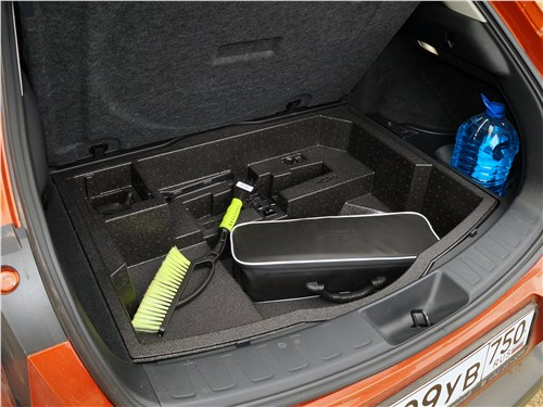 Предпросмотр lexus ux 200 2019 багажное отделение