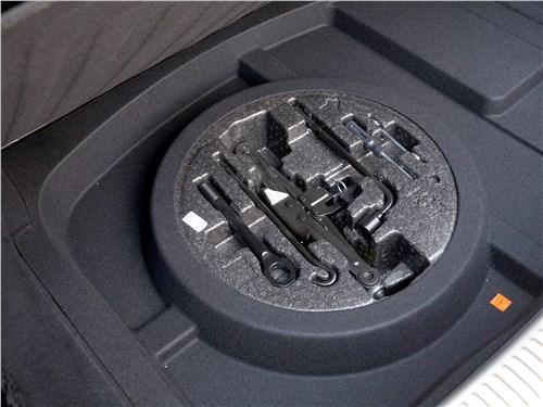Hyundai Genesis G90 2019 багажное отделение
