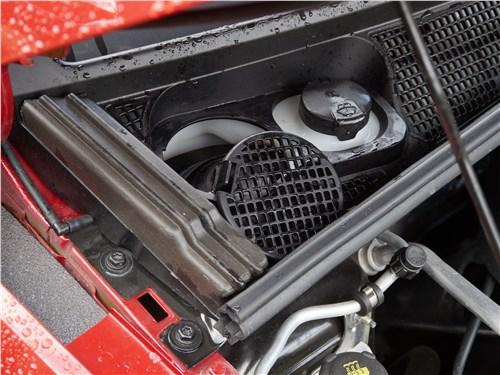 Lada XRay 2015 гайка крепления правой передней амортизаторной стойки