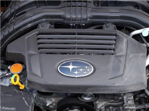 Subaru XV 2018 моторный отсек