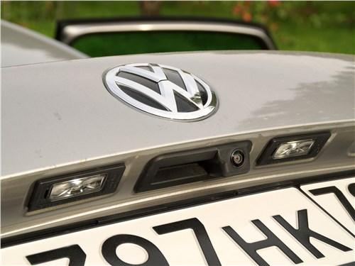 Volkswagen Polo Sedan 2016 крышка багажника