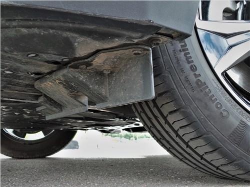 Toyota C-HR 2020 щиток-брызговик