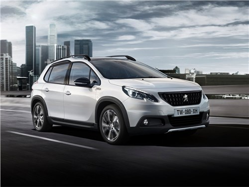Peugeot 2008 2017 вид спереди сбоку