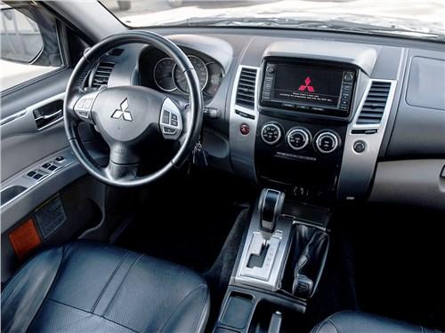 Mitsubishi Pajero Sport 2008 салон