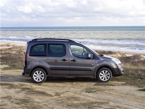 Peugeot Partner Tepee 2016 вид сбоку