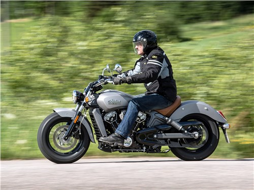 Indian Scout на трассе