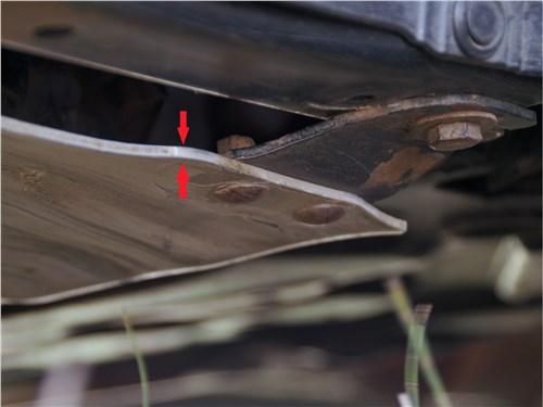 Предпросмотр mitsubishi outlander 2016 защита моторного отсека