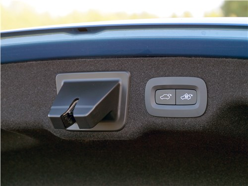 Volvo S90 2019 крышка багажника