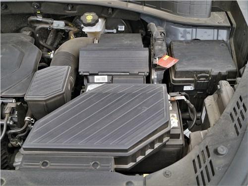 Hyundai Tucson 2019 моторный отсек