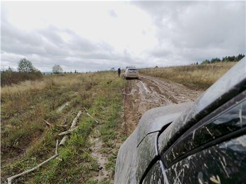 Предпросмотр land rover discovery sport 2015 в грязи