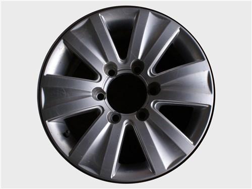 Посадочные размеры легкосплавных и стальных колес идентичны