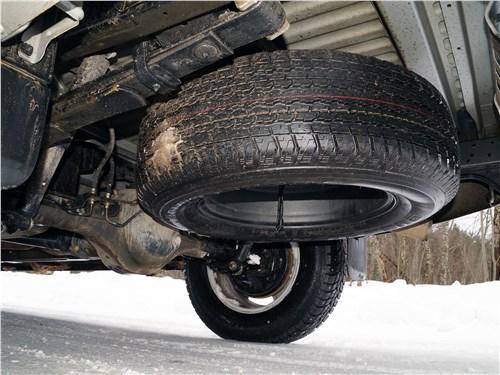 Isuzu D-Max 2016 запасное колесо
