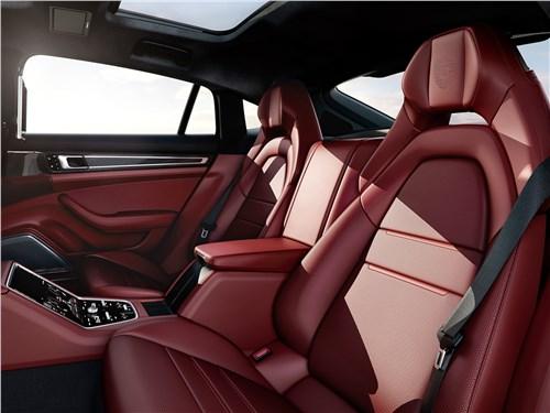 Porsche Panamera 2017 задние кресла