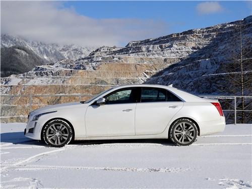 Cadillac CTS 2017 вид сбоку