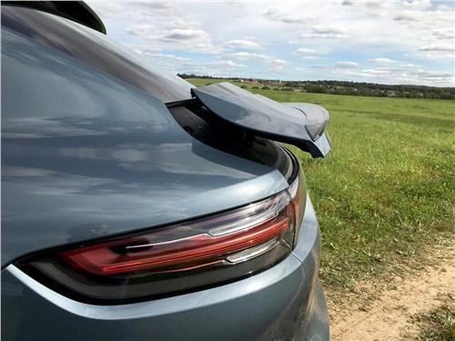 Предпросмотр porsche cayenne turbo s e-hybrid coupe 2020 спойлер