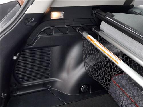 Toyota RAV4 2016 багажное отделение