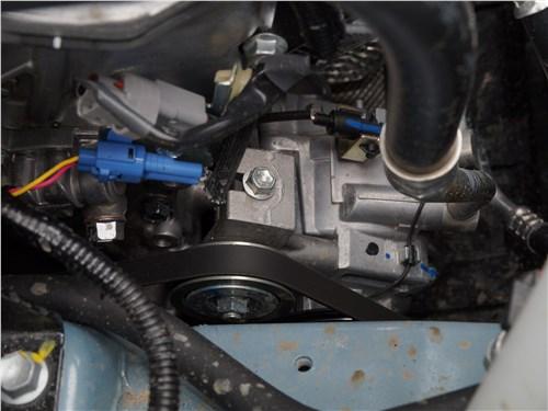 Suzuki Vitara 2019 моторный отсек