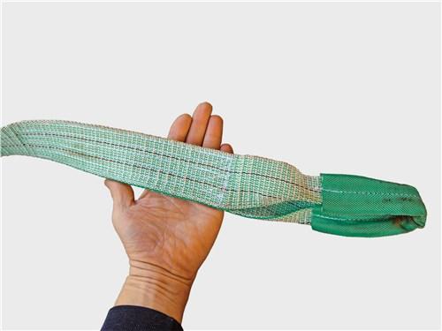 Признаки надежного троса-стропы: большая ширина, качественная прошивка, мощные концевые петли