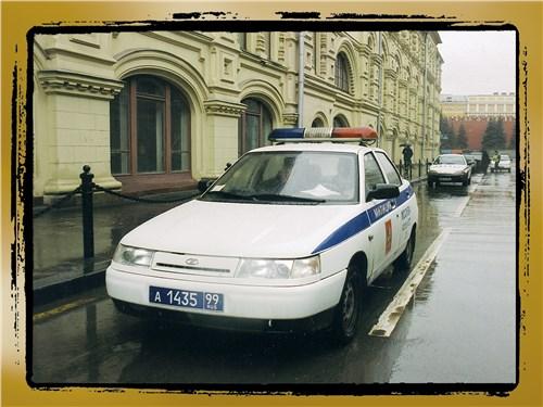 3. Автомобили МВД России получили новые номера нежно-голубого цвета