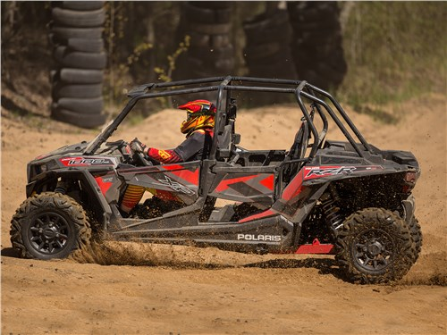 Polaris RZR XР4 Turbo EPS вид сбоку