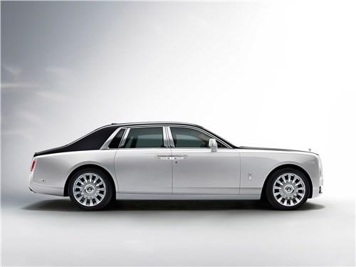 Rolls-Royce Phantom - Rolls-Royce Phantom 2018 вид сбоку
