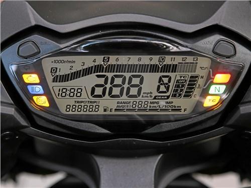 Suzuki GSX-S1000F ABS приборная панель