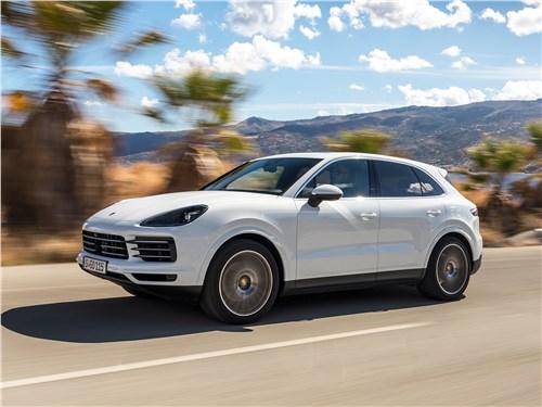 «Поршики» Cayenne - Porsche Cayenne 2018 вид сбоку
