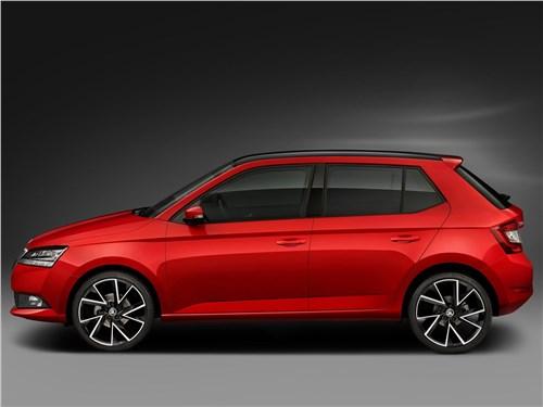 Зажигательная смесь (Renault Clio Sport,Opel Corsa OPC,Seat Ibiza Cupra,Skoda Fabia RS) Fabia - Skoda Fabia 2019 вид сбоку