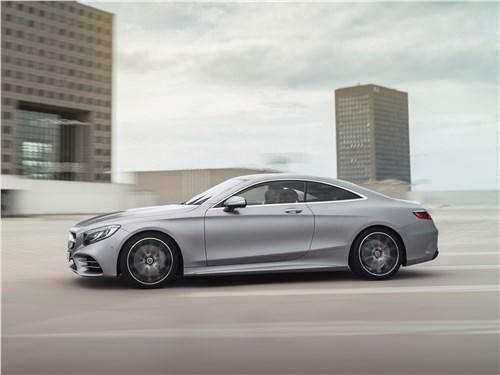 Mercedes S 560 Coupe 4matic 2018: вид сбоку