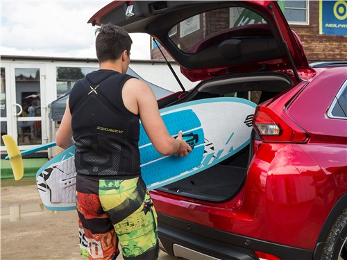 Mitsubishi Eclipse Cross 2018 багажное отделение