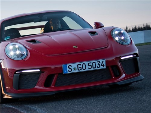 Новость про Porsche - Резкий поворот. Porsche отказывается от дизелей