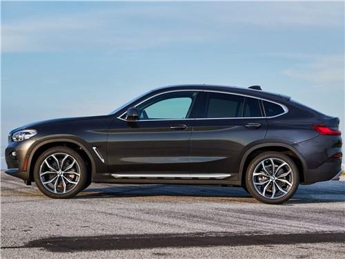 BMW X4 2019 вид сбоку