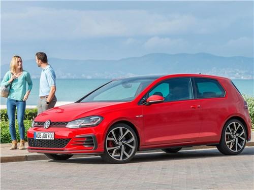 Volkswagen Golf GTI 2017 вид сбоку