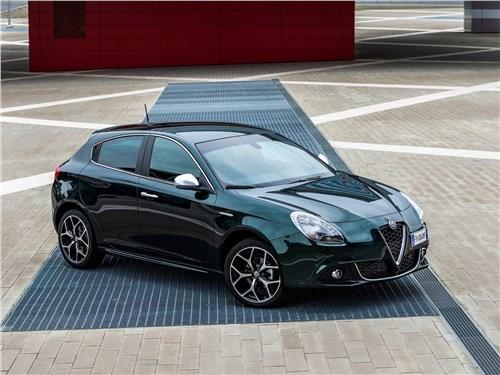 Alfa Romeo Giulietta 2019 вид спереди сбоку