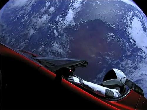 Tesla Roadster захватывает Марс