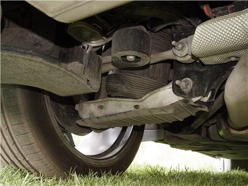 Пневмоподвеска – очень дорогое удовольствие, особенно в плане ремонта. На фото – задняя подвеска Audi Q8