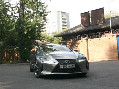 Lexus LC 500 2018 вид спереди