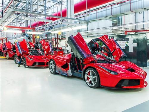 Новость про Ferrari - Ferrari будет выпускать автомобилей меньше, чем готовы купить клиенты